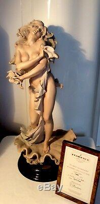 Giuseppe Armani FigurinePEARL # 1019T Retired. Limited Edition