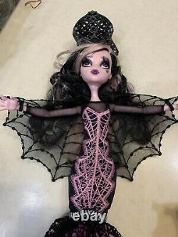 Monster High Adult Collector Limited Edition Draculaura Doll Mattel Complete