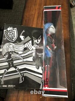 Monster High Comic Con Ghoulia Yelps Dead Fast Exclusive Doll Limited Edition