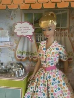 New Barbie Learns To Cook Reproduction Ltd Edition Gold Label 2007 Blonde Do