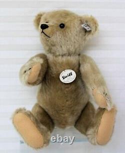 Teddy Bear Club Edition EAN 421174 With DVD describing 2011 Replica of 1911 Teddy